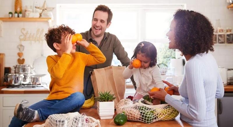 تربیت کودکان شاد و با نشاط